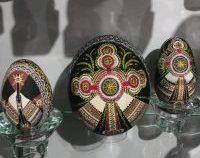 Trei muzee ale ouălor încondeiate, cu aproape 20.000 de exponate, toate în Bucovina