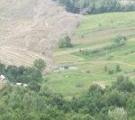 Mai multe familii dintr-o comună din Prahova au fost evacuate din cauza alunecărilor de teren | AUDIO