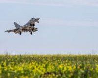 NATO: Avioane de luptă rusești, interceptate în spaţiul aerian al României