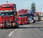 Transportatorii de  marfă protestează: Șoferii de TIR vor circula, vineri, cu viteză redusă