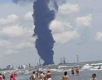 Ministrul de Interne: Incendiul de la Petromidia a fost lichidat