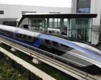 """Un tren care """"levitează"""" a fost prezentat în China"""