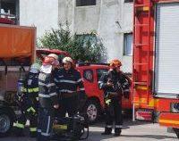 O locomotivă a luat foc în gara Găești