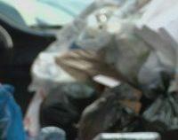 Peste 500 de tone de deșeuri, oprite în portul Calafat   AUDIO