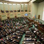 Polonia a adoptat o nouă lege a presei, care este deja contestată de SUA