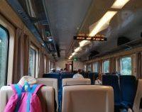 Un tren a rămas blocat, în câmp, în județul Olt