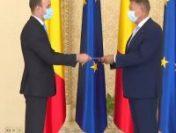 Dan Vîlceanu a depus jurământul ca ministru de Finanțe, dar președintele Iohannis nu a dat mâna cu el  | VIDEO