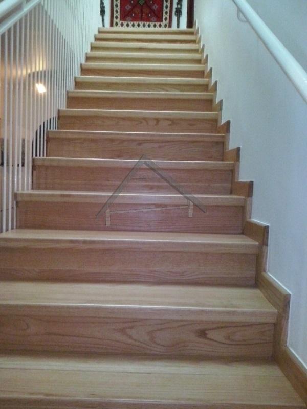 Blanc escalier en chêne canada - AtiWood