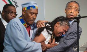 Garner dies in New York after chokehold