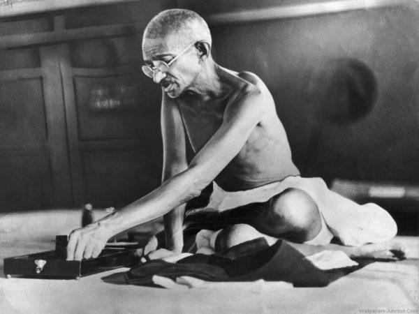 Gandhi+spinning