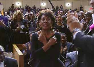 Aretha Franklin-Funeral-Maxine Waters