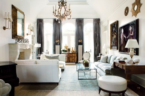 41) A living room by Suzanne Kasler is pure glamour.