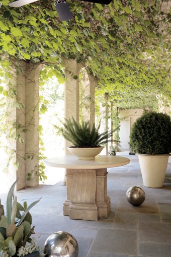 18) A loggia in Sandy Springs echoes the lush gardens of California.