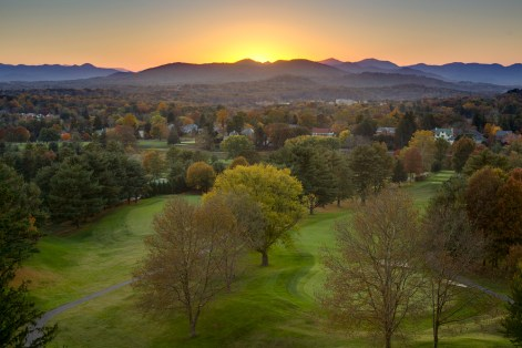 Resting on 85 acres, The Omni Grove Park Inn offers breathtaking sunset views of downtown Asheville and the Blue Ridge Mountains.