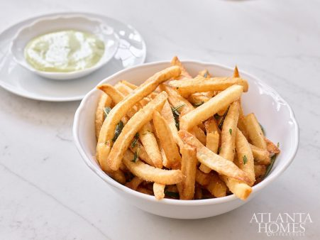 Fries with sorrel mayonnaise.