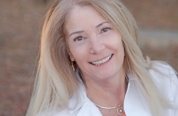 Lynn Bahr headshot Vet profile