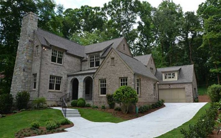 2013 Estate Home Located In Druid Hills Neighborhood
