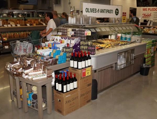 Narrow Air Underflow Refrigerated Island Salad & Olive Bar - Atlantic Food Bars - CISB7352 3