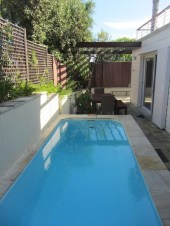 Clifton Palm Bungalow pool 4 bedroom Clifton 4th beach Camps Bay Cape Town Atlantic Letting Luxury Holiday Accommodation Rental Property photo