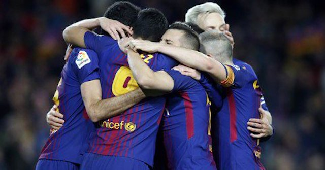 Barcelona-players-rejoice-after-Suarez-goal