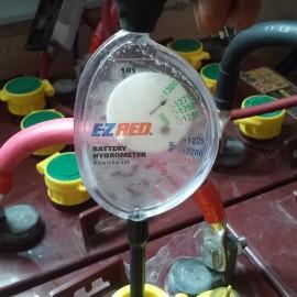 Hydrometer showing healthy batteries