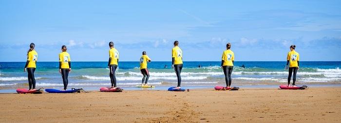 Surf classes beach warm-up