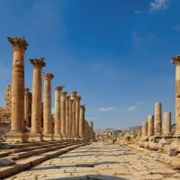 jerash_colonnaded_street