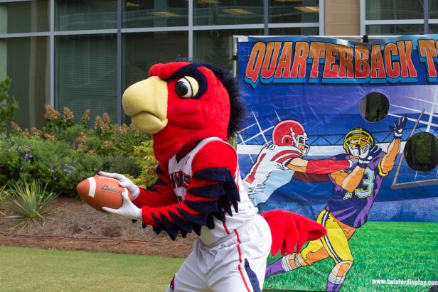 games-football-with-atlanta-falcon-mascot