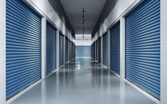 Residential-Moving-Storage-Space