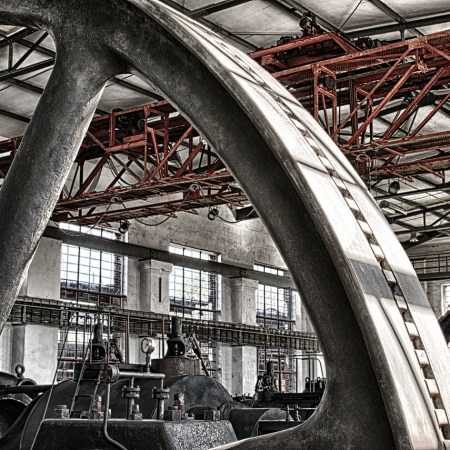INDUSTRIES / MACHINERY