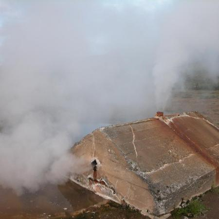 Geothermal chimney
