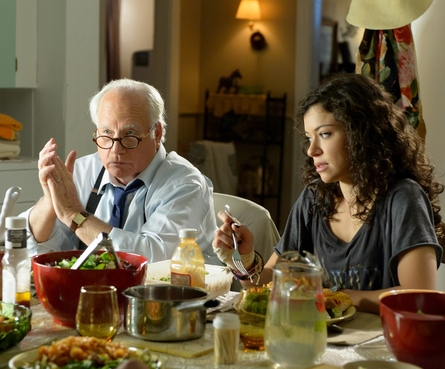 Cas___Dylan_Richard_Dreyfuss___Tatiana_Maslany_-_Photo_by_Iden_Ford_Copyright_Montefiore_Films_Inc_(1280x1061)_large