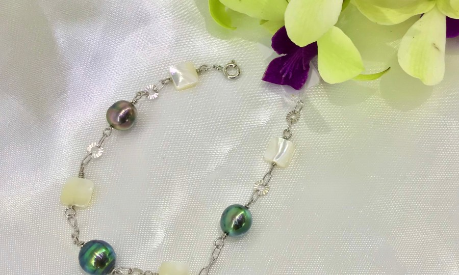 Bracelet perles de Tahiti et nacres
