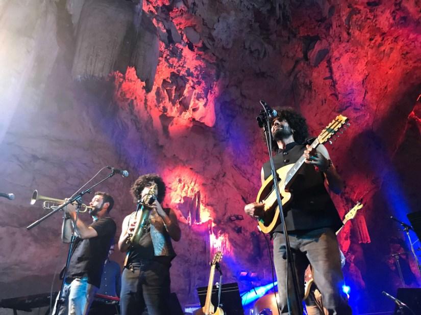 Concierto en el interior de la cueva