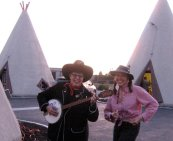 with Los Angeles top blogger and friend, Ellen Bloom at the Route 66 WigWam