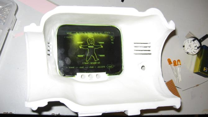 Pip boy 3000 prop screen