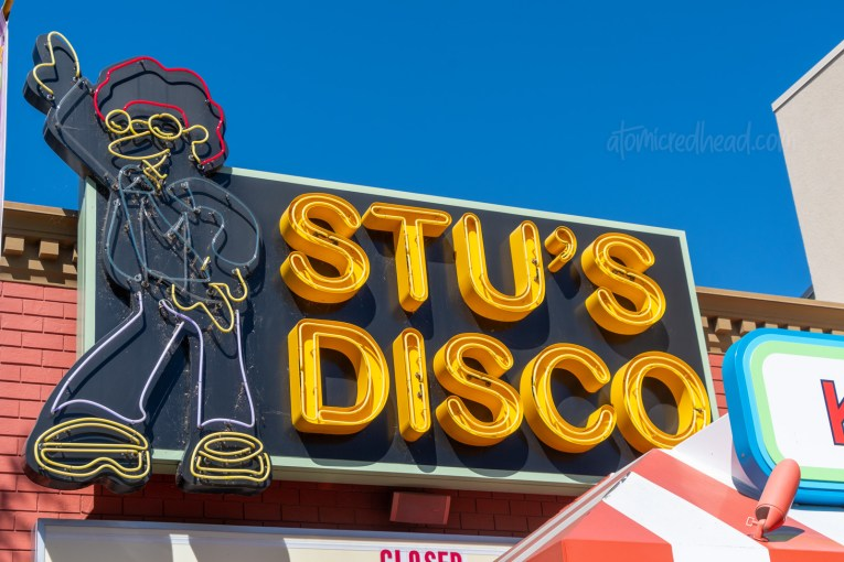 Neon sign for Stu's Disco.