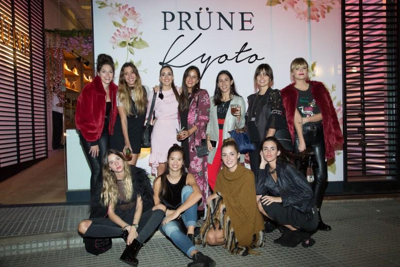 Juana Farrell y sus amigas Lucia Celasco Manu Viale Cande Vetrano Belen Ayerza en Kyoto By Prune Juana Farrell Edition (250)