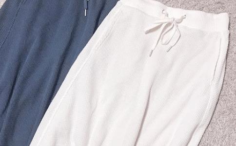 [GU]ワッフルフレアロングスカートの口コミは?人気色やコーデも調査