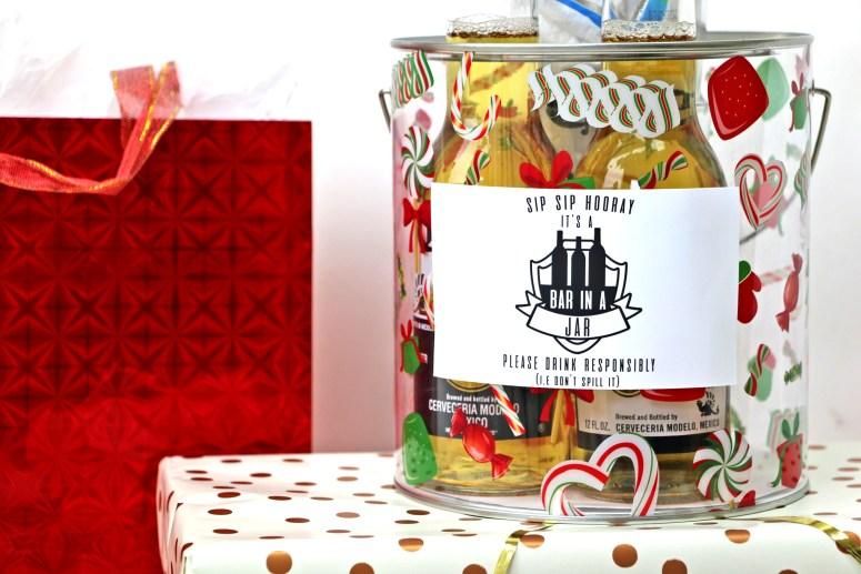 Easy DIY Christmas Gifts: Bar in a jar