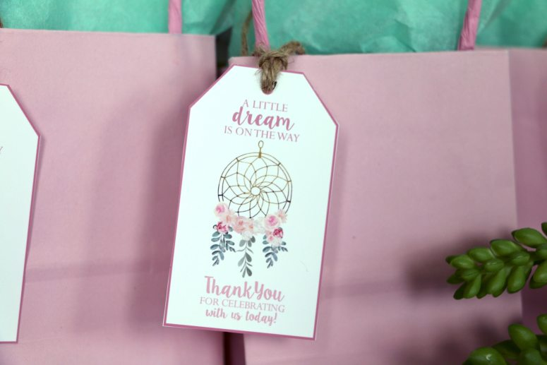 Dream catcher favor tags: A little dream is on the way