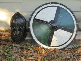 The things you find laying around at a Renn faire (btw, that helmet was supppper heavy)