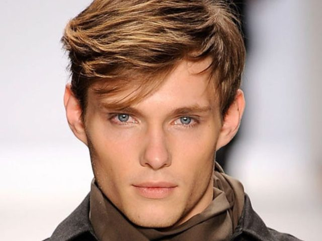 20 best men's haircuts for a big forehead and a round face | atoz