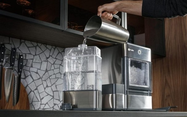 how to fill the external tank ge profile™ opal 2.0 nugget ice maker