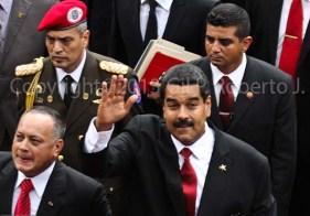LLEGADA DEL PRESIDENTE DE VENEZUELA NICOLAS MADURO SALUDA A LOS MEDIOS2