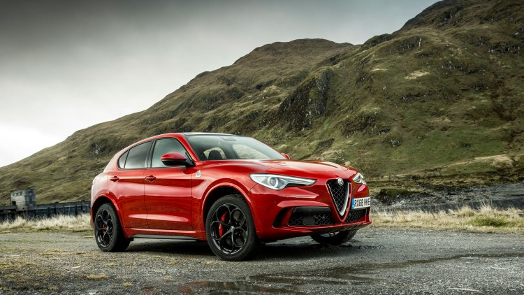 Alfa Romeo Stelvio Quadrifoglio review exterior three-quarters