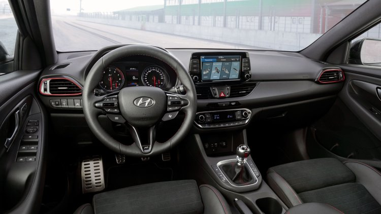Hyundai i30 N Performance Fastback interior and 8-inch touchscreen display