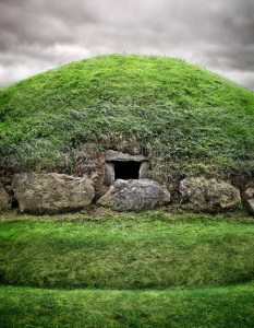 Knowth passage grave