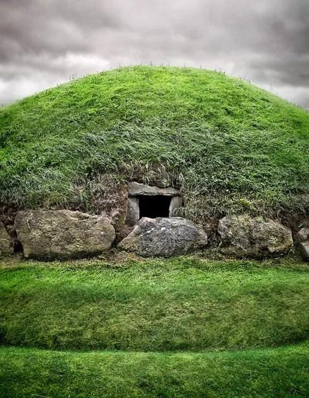 Knowth passage grave