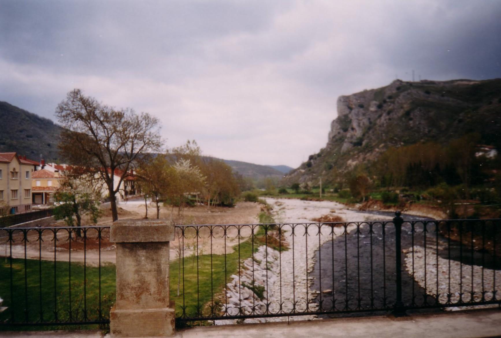Puente en Ezcaray